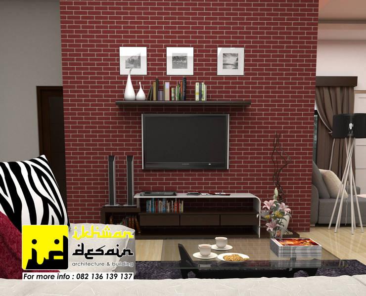Desain Interior:  Ruang Keluarga by Ikhwan desain