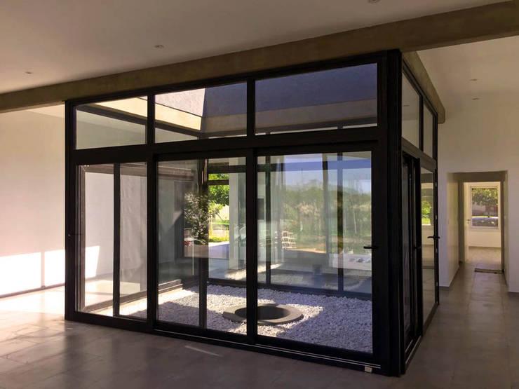 Final de Obra - Patio Interno: Jardines de invierno de estilo  por KorteSa arquitectura,