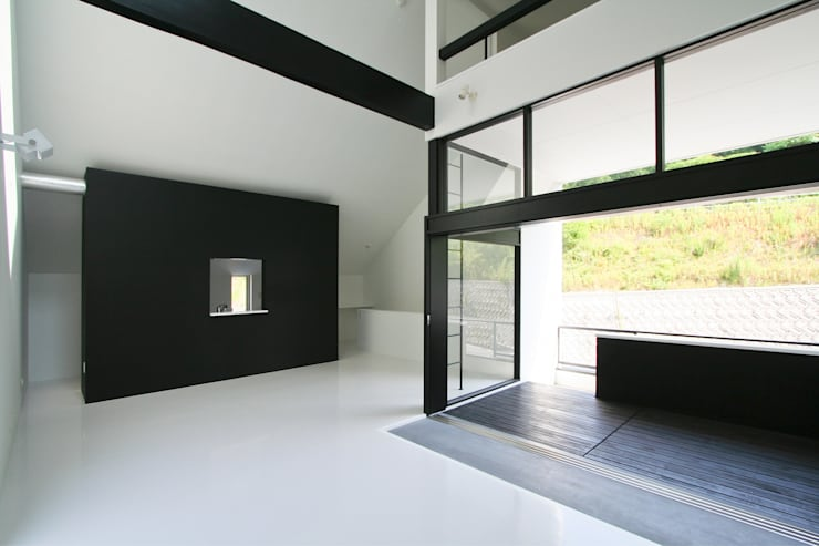2階リビング: 石川淳建築設計事務所が手掛けたリビングです。