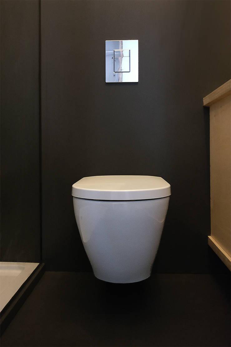 Ванные комнаты в . Автор – studioMERZ, Модерн