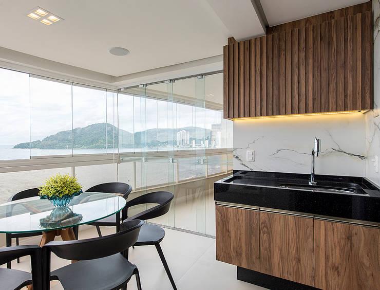 Kitchen by Espaço do Traço arquitetura, Modern