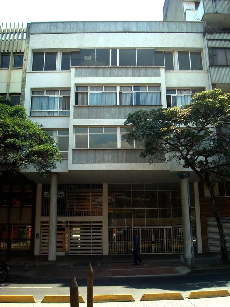 RENOVACIÓN EDIFICIO Ma. DEL CARMEN:  de estilo  por GAGC arquitecto
