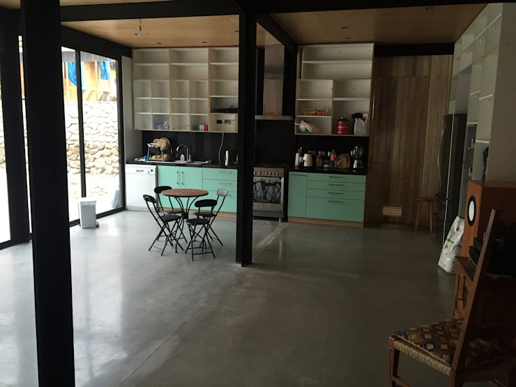 vistas interiores: Cocinas de estilo industrial por MAC SPA