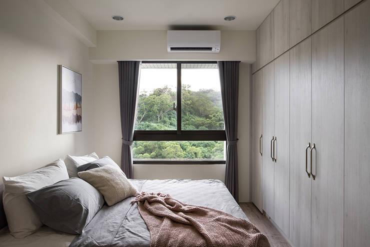 臥室:  臥室 by 達譽設計