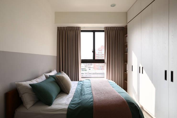 Bedroom by 達譽設計, Scandinavian