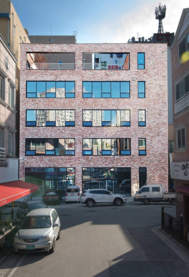 반석동 복합빌딩: 위 종합건축사사무소의  주택,
