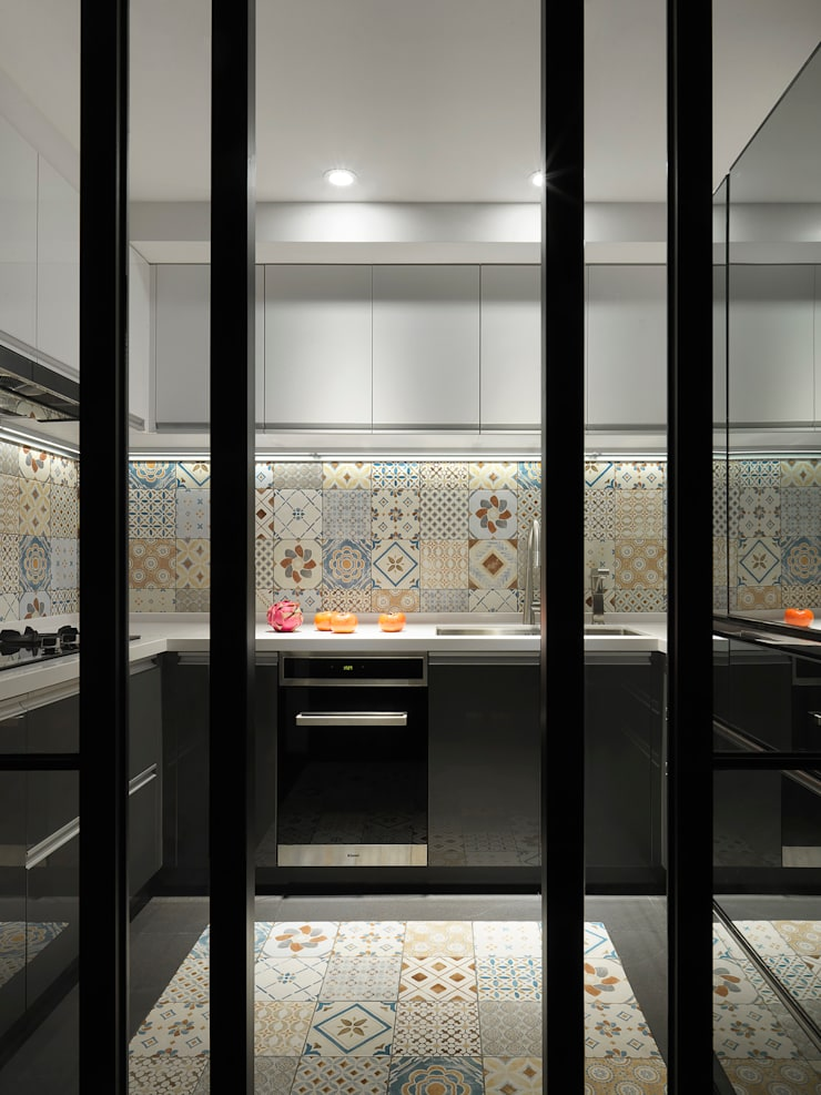 Kitchen by 御見設計企業有限公司