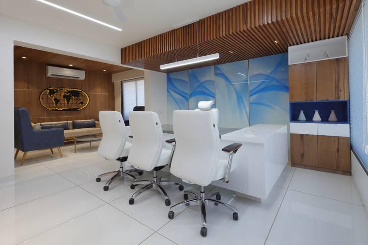 Bürogebäude von malvigajjar, Modern Glas