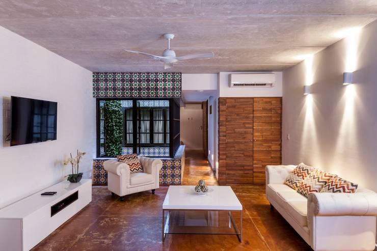Salas / recibidores de estilo  por studio arquitectura | Despacho de arquitectos | Cancún