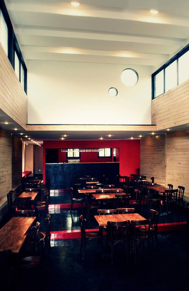 Restaurant Algarrobo: Comedores de estilo  por m2 estudio arquitectos - Santiago