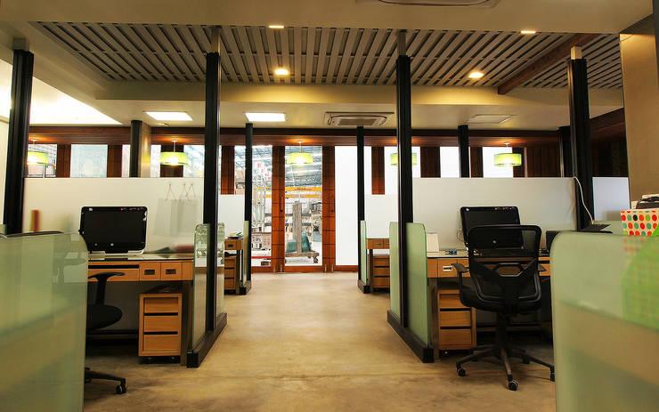 KSG Office:  อาคารสำนักงาน by Pilaster Studio Design