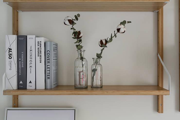 層架:  書房/辦公室 by 達譽設計