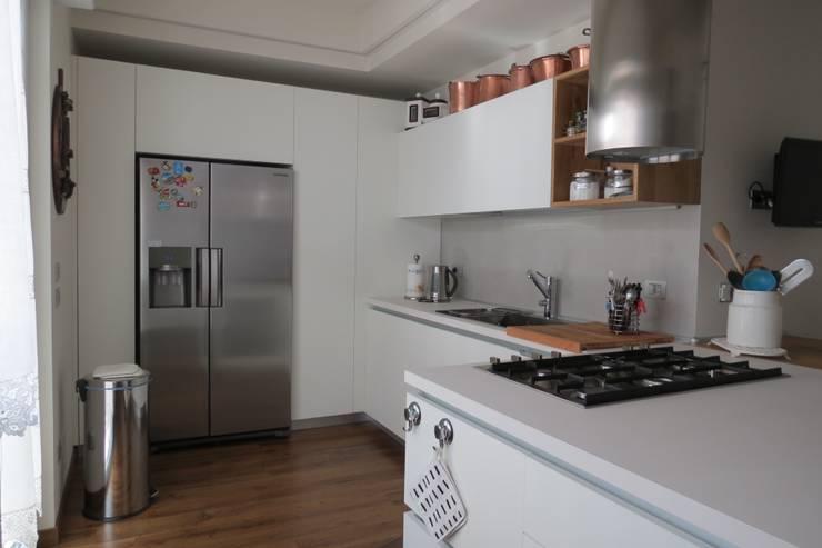 Kitchen by stil mobil , Modern Wood Wood effect