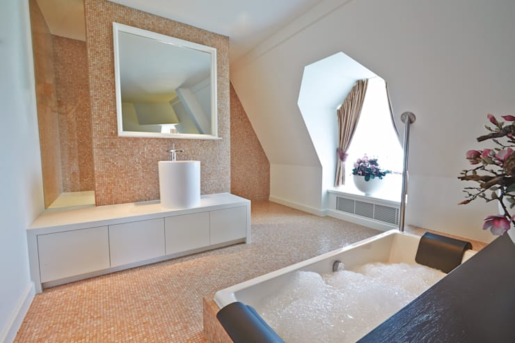 Cleopatra bij Efteling Hotel:  Badkamer door Cleopatra BV, Klassiek