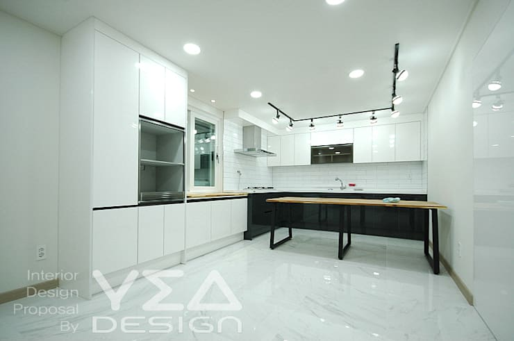 모두모두 모여서 식사를 할수 있는 주방 만들기: 예아디자인   [주]디자인그룹예아의  주방,