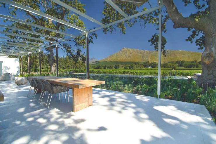 Patios & Decks by Van der Merwe Miszewski Architects
