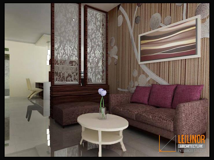 Modern Residential:  Ruang Keluarga by CV Leilinor Architect