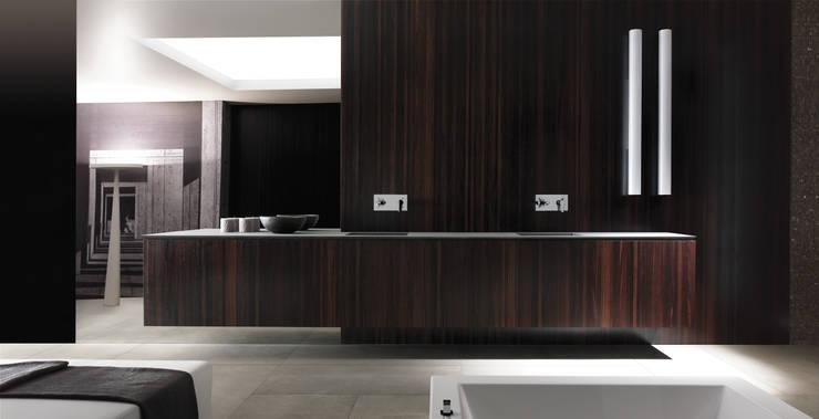 Kitchen units by PTC Kitchens , Modern