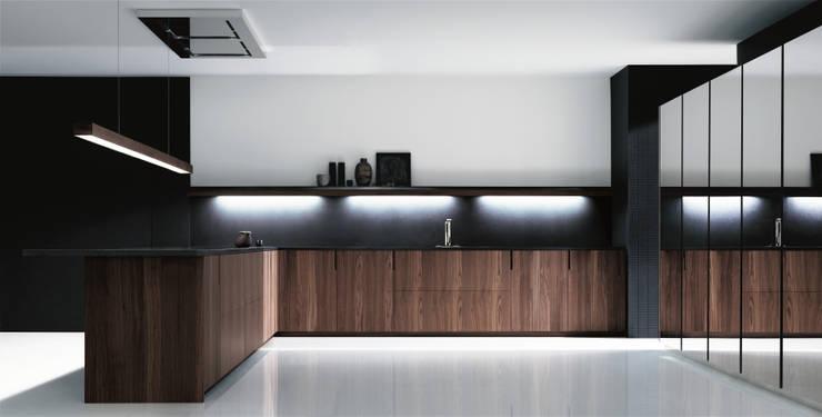 Tủ bếp by PTC Kitchens