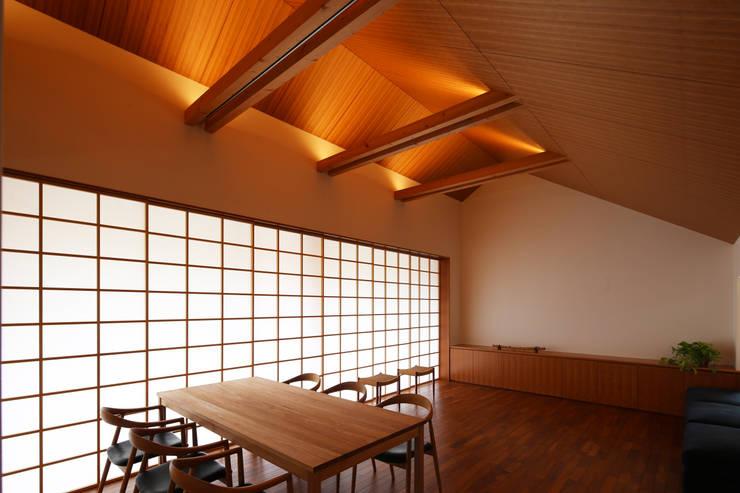 つなぎ梁の家: 西島正樹/プライム一級建築士事務所 が手掛けた窓&ドアです。