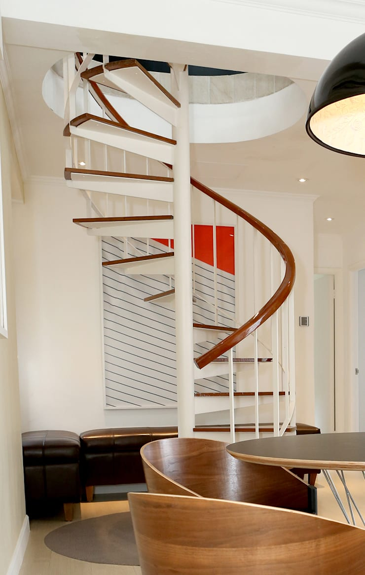Mid Levels Duplex Renovation:  Stairs by B Squared Design Limited