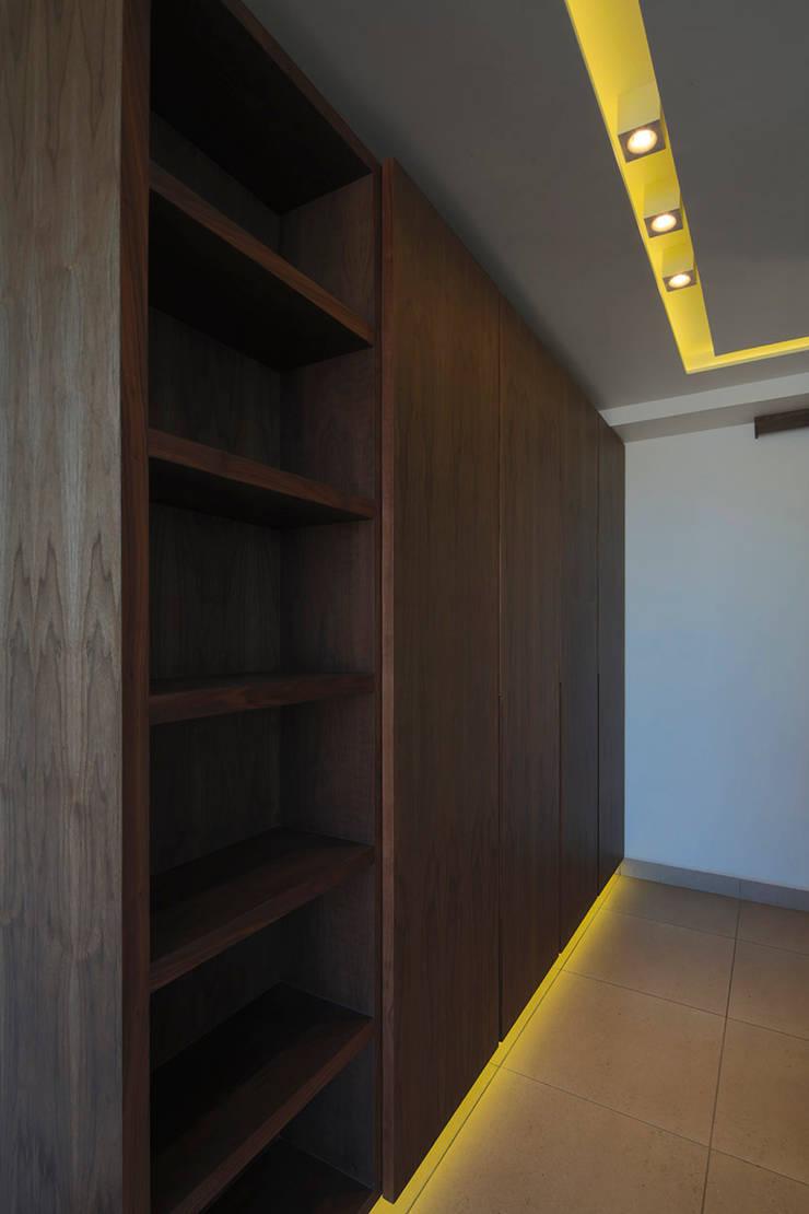 Maisons modernes par BCA Arch and Interiors Moderne