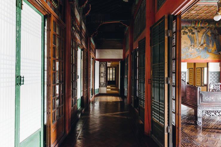 왕후의 시선: PoisonSong의  복도 & 현관