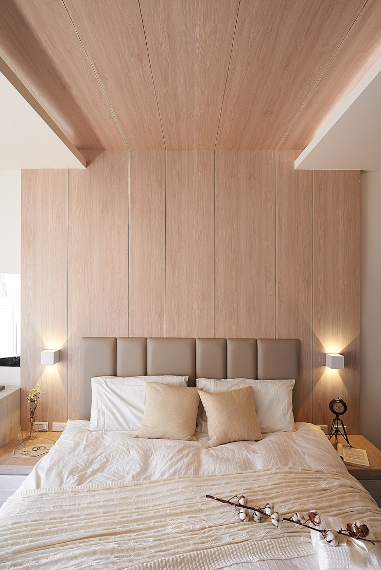 狹長街屋大改造:  臥室 by 層層室內裝修設計有限公司