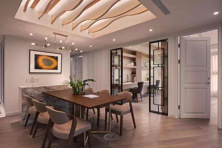 Salle à manger de style  par 層層室內裝修設計有限公司