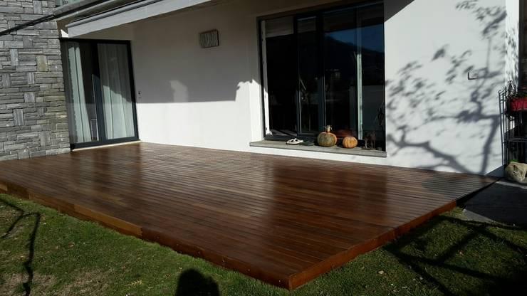 Pavimento in legno Ipé  oliato - Patio abitazione privata: Pavimento in stile  di ONLYWOOD