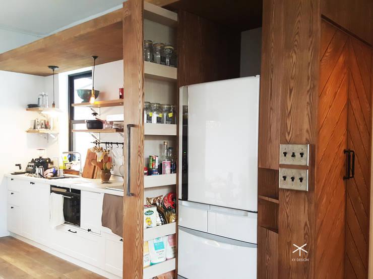 開放式廚房收納好簡單:  廚房 by XY DESIGN - XY 設計