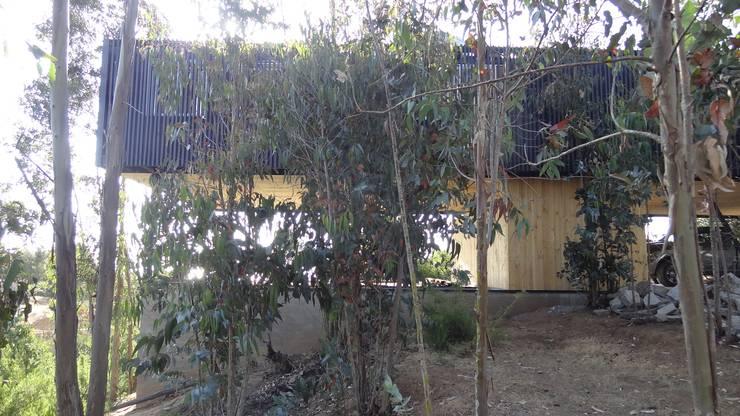 Casa QV: Parcelas de agrado de estilo  por m2 estudio arquitectos