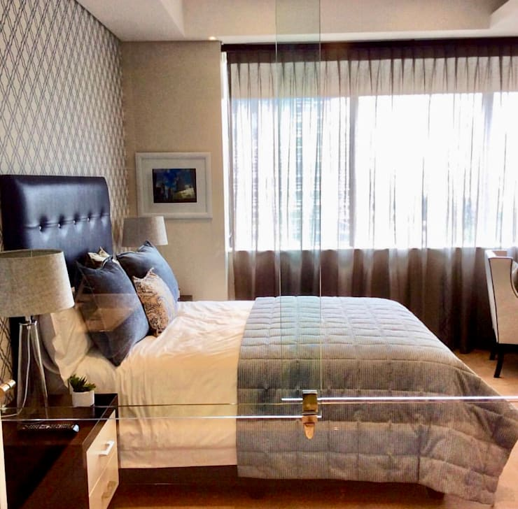 A Corporate one bedroom apartment in Sandton.:  Bedroom by CS DESIGN, Modern