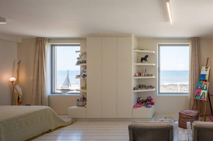 Projeto design interiores - Granja by joao andrade e silva:   por João Andrade e Silva Design,Moderno