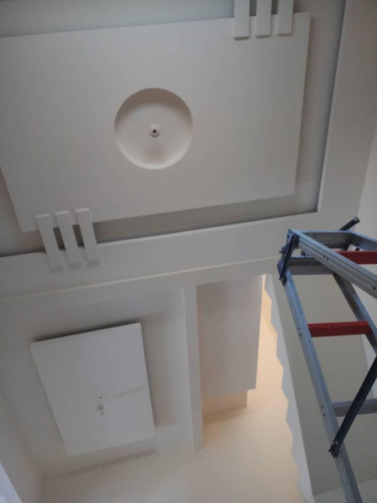 Pembangunan rumah tinggal :  Dining room by CV. ARRAHMAN CONSTRUCTION