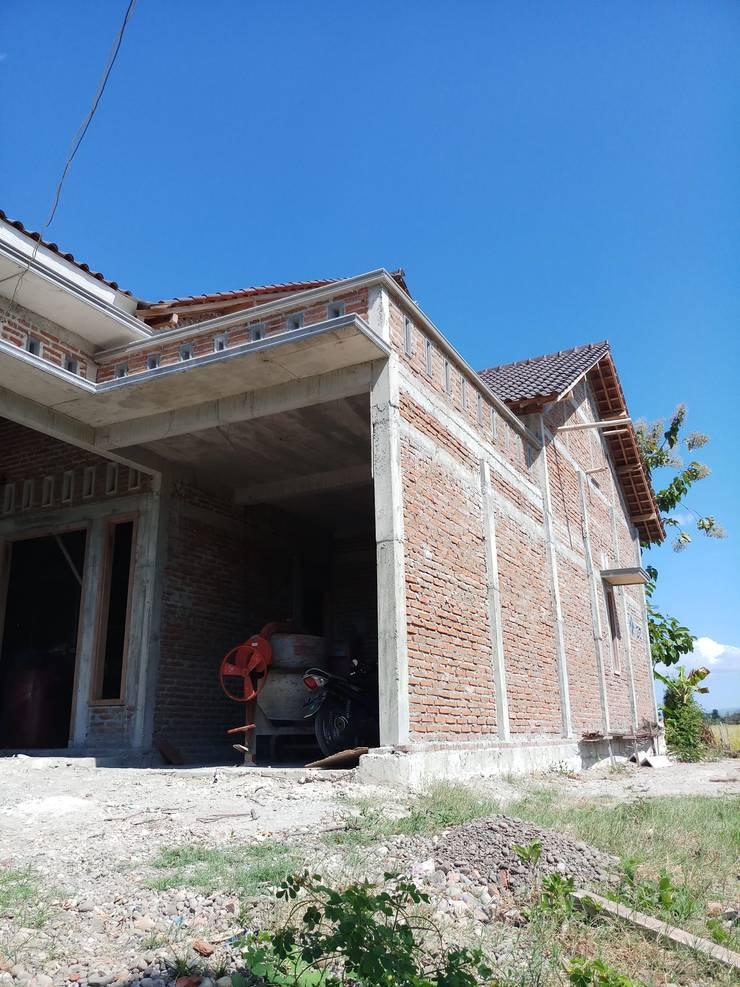 Rumah :  Dinding by CV. ARRAHMAN CONSTRUCTION
