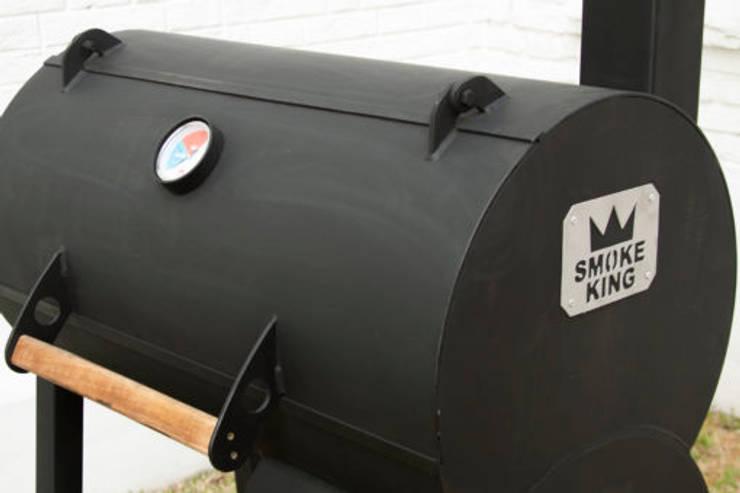 Ahumador BBQ para el hogar: Hogar de estilo  por Smoke King Ahumadoras
