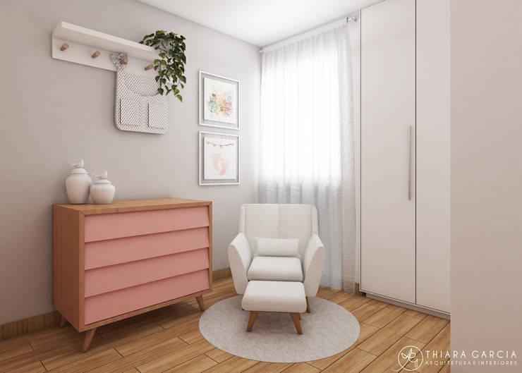 Projeto de Interiores - Bairro São Pedro, Juiz de Fora - MG: Quartos de bebê  por Thiara Garcia Arquitetura e Interiores