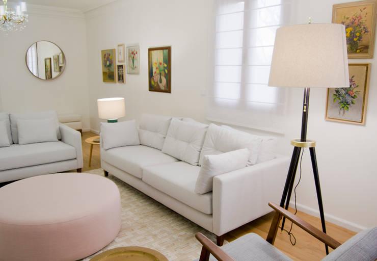 Sala de estar Tangerinas & Pêssegos: Salas de estar  por Tangerinas e Pêssegos - Design de Interiores & Decoração no Porto