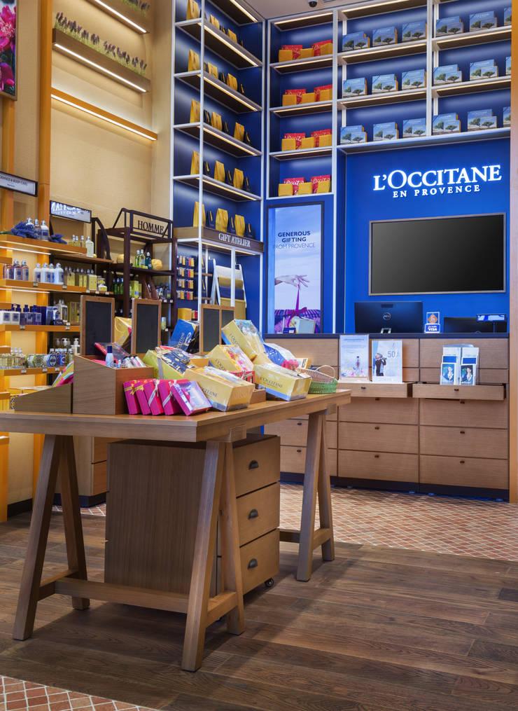 L'Occitane en Provence—Vattanac Capital:   by DMR DESIGN AND BUILD SDN. BHD.