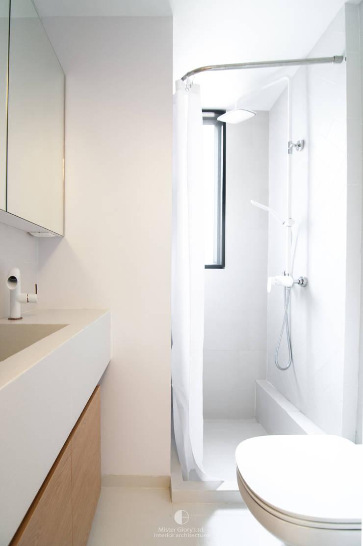 9:  Bathroom by Mister Glory Ltd, Modern