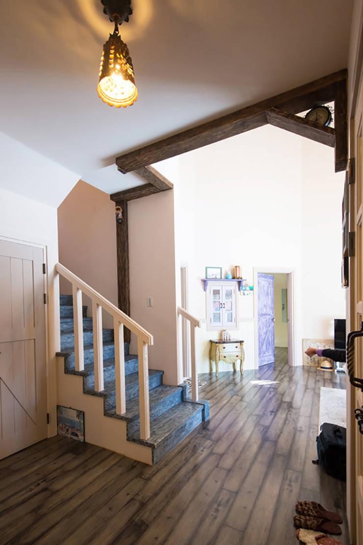 계단실: (주)메이드의  계단