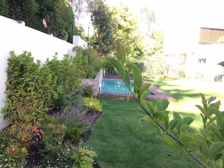 Casa en San Damián : Jardines de estilo  por Bächler Paisajismo
