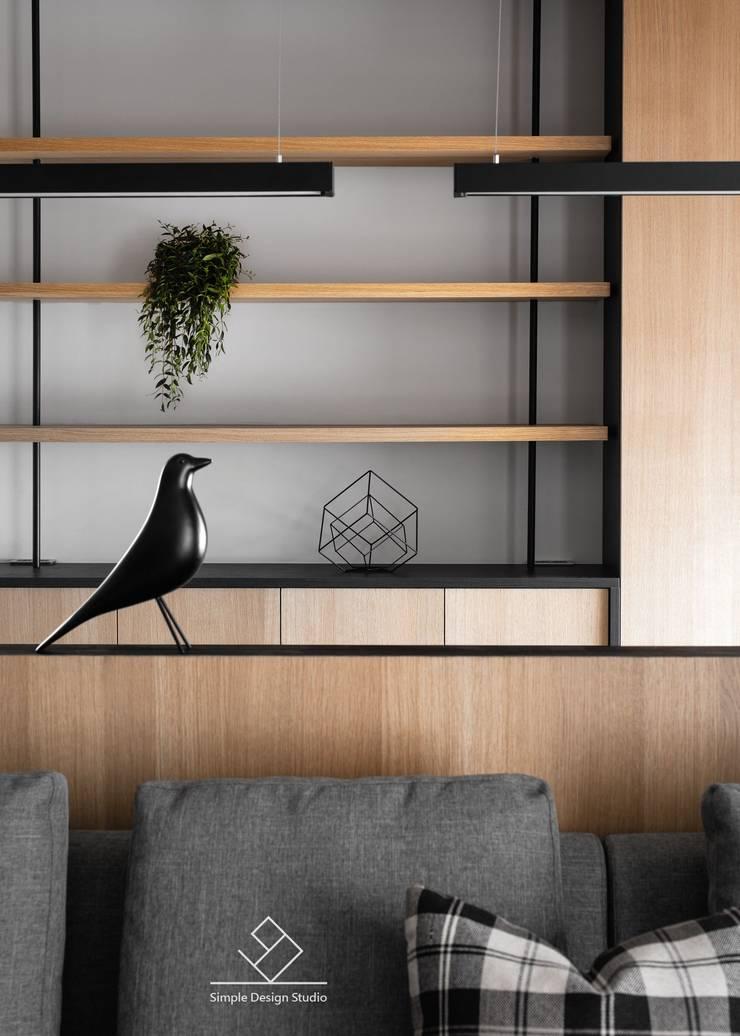 展示層架:  書房/辦公室 by 極簡室內設計 Simple Design Studio