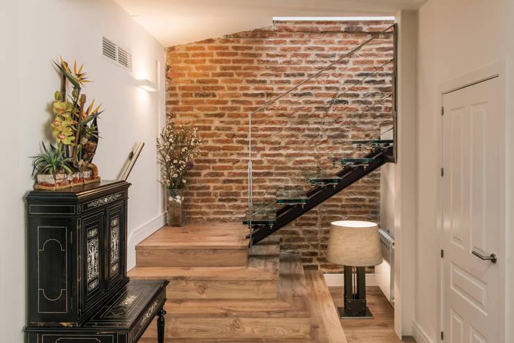 Stairs by CONSOLIDACIONES Y CONTRATAS S.L