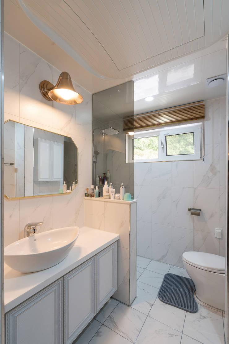 창원 하천리: 하우스톡의  욕실