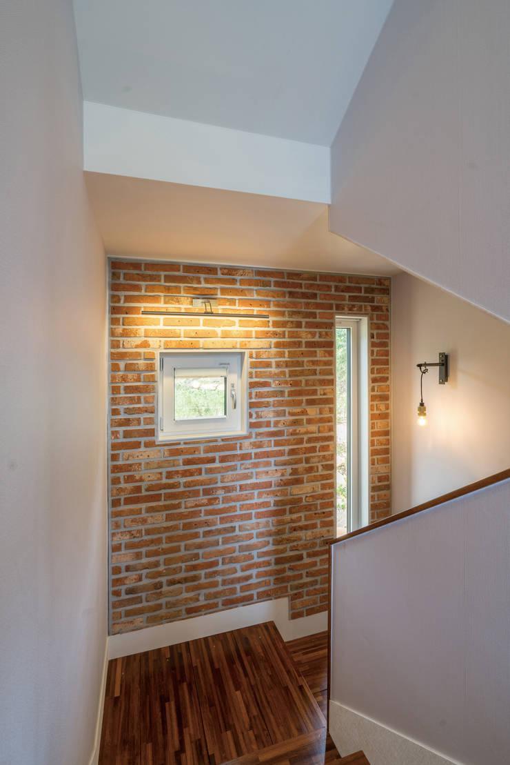 창원 하천리: 하우스톡의  계단