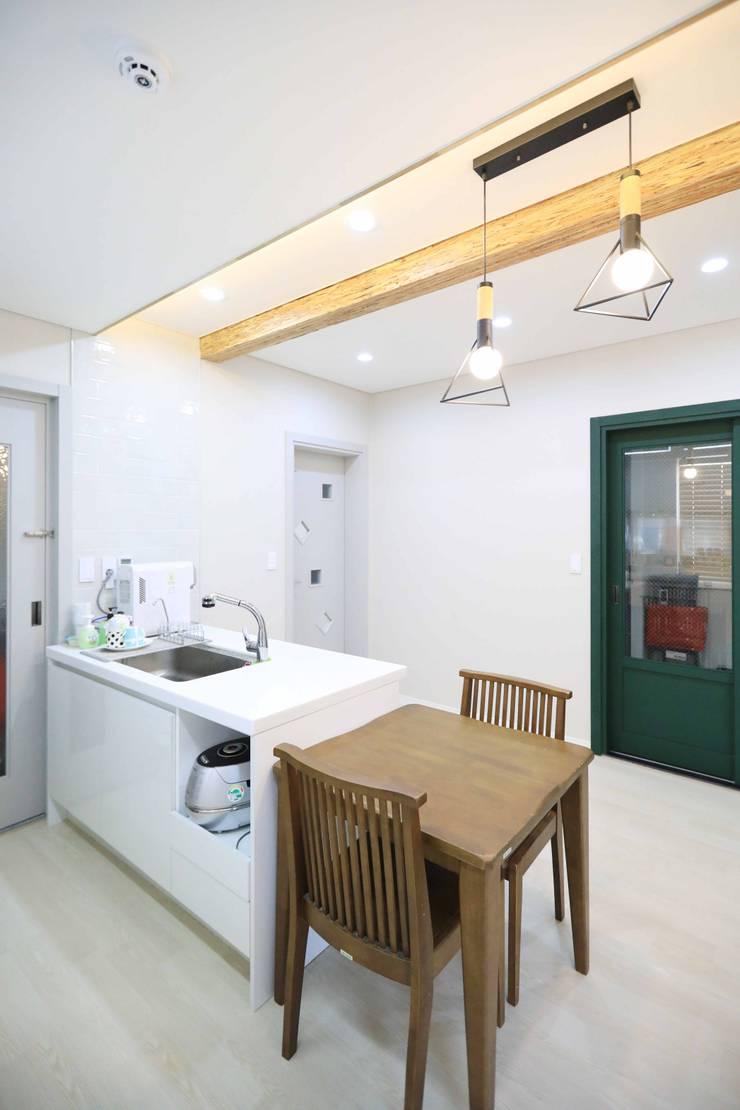 김포 수안마을: 하우스톡의  주방