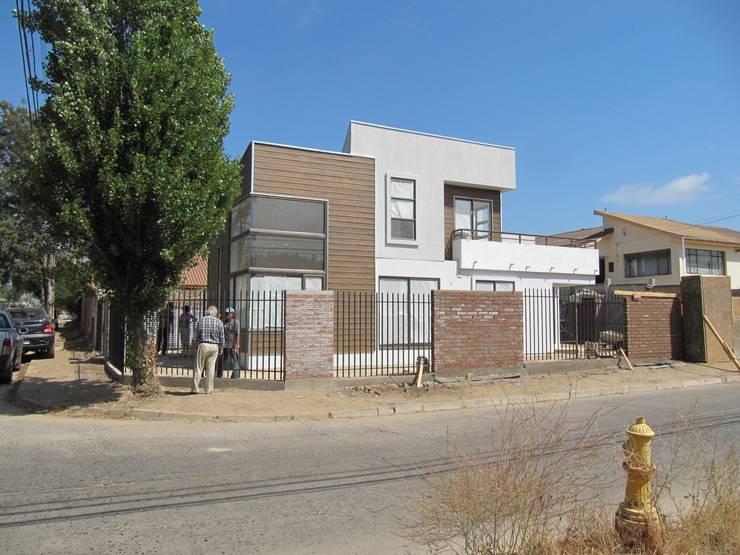 Casa Retiro: Casas de estilo moderno por Lau Arquitectos
