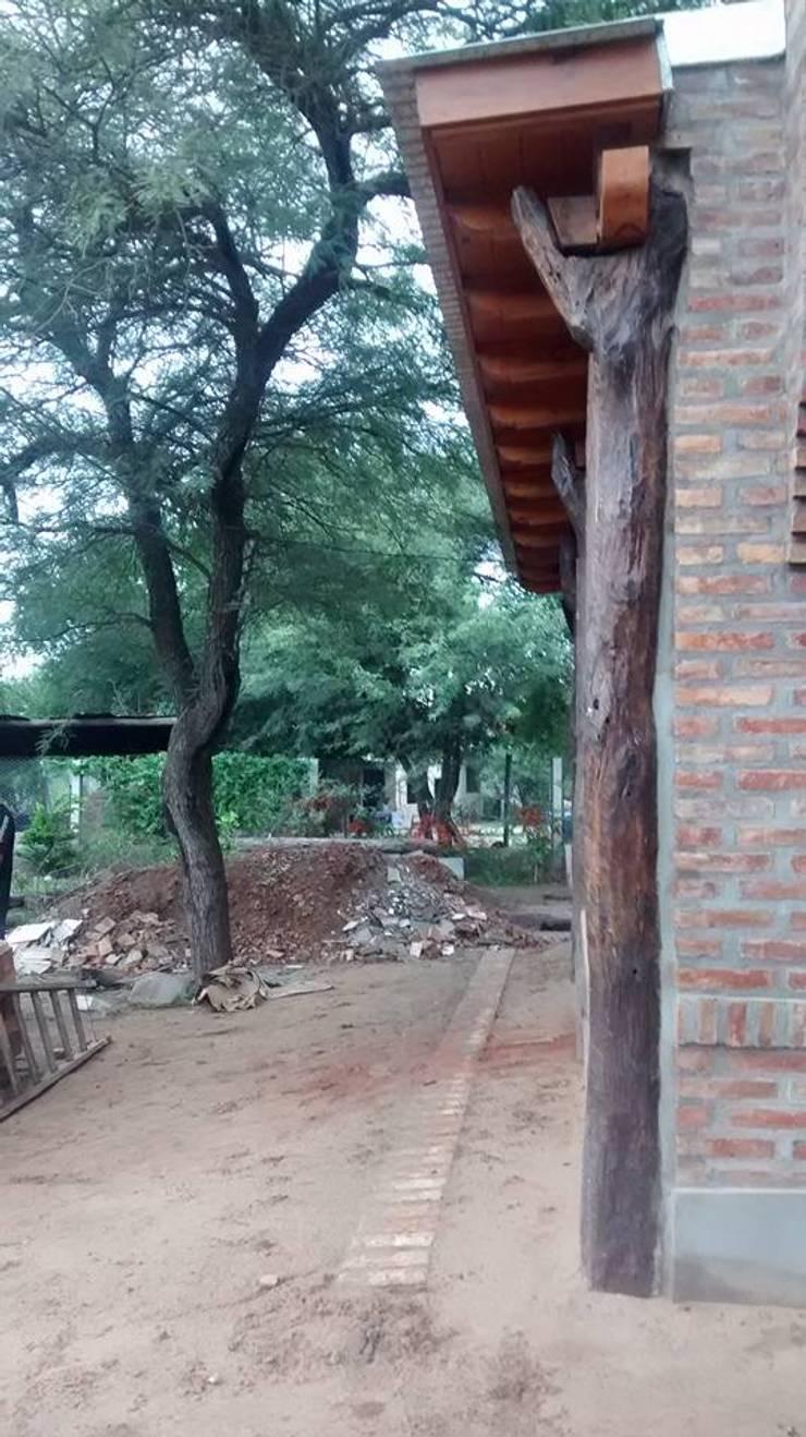 Diseño y Construcción de Casa Celmira en Santiago del Estero por A3 Arquitectas: Bodegas de estilo  por A3 arquitectas